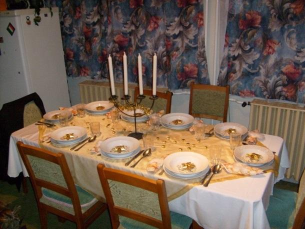 stimmungsvoll und festlich die perfekt gedeckte weihnachtstafel. Black Bedroom Furniture Sets. Home Design Ideas