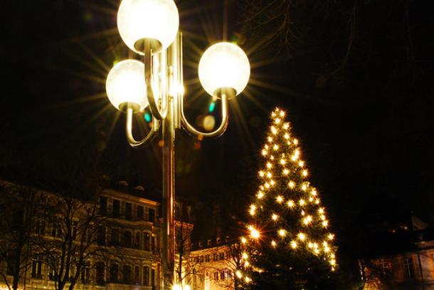 Schmuck Für Weihnachtsbaum.Der Weihnachtsbaum Und Sein Schmuck Rund Um Die Welt