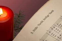 weihnachtslieder die sie auf weihnachten einstimmen. Black Bedroom Furniture Sets. Home Design Ideas